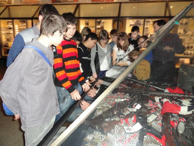 Экскурсия в музей вооружённых сил (14)
